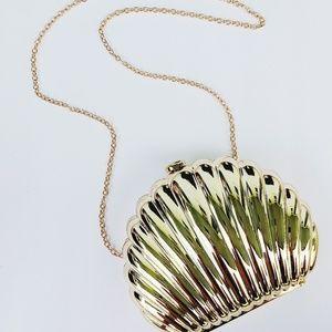 Sea shell purse